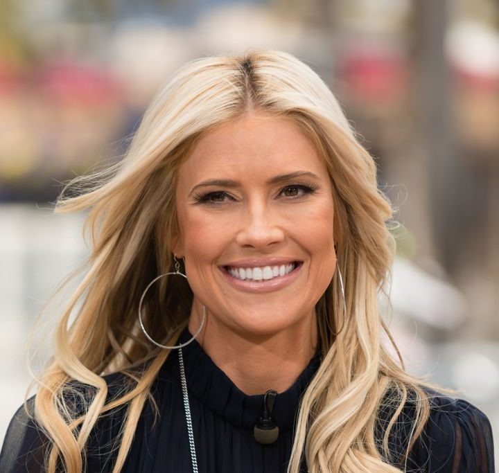 Christina Anstead of 'Flip or Flop' Shows Off Her Placenta Pills, But What Is Placenta Encapsulation? – Showbiz Cheat Sheet