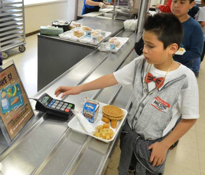 CT schools weigh offering healthy food vs. profits – Middletown Press