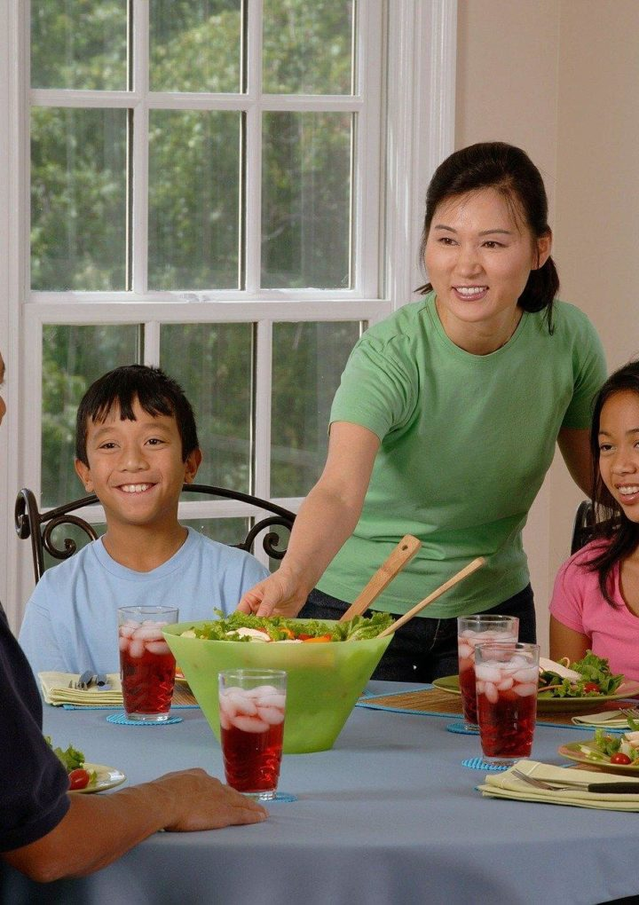 Only-Children Found To Have Less Healthy Eating Habits, Shows Study – International Business Times