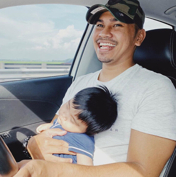 Celebrity preacher PU Abu criticised for letting son sleep on his lap while driving – Malay Mail